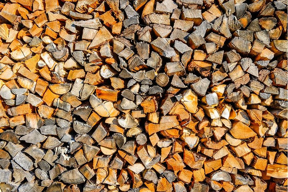 WHAT IS THE BEST TYPE OF WOOD TO BURN?